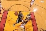 Kawhi Leonard #2 of the San Antonio Spurs