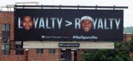 Photo : un panneau pour se moquer de LeBron James à San Antonio