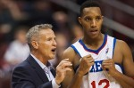 Brett Brown et Evan Turner