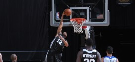 Les superbes dunks renversés de Jabari Parker et Eric Griffin