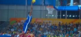 Vidéo: Karim Mouliom remporte le concours de dunks des Jeux Olympiques de la jeunesse