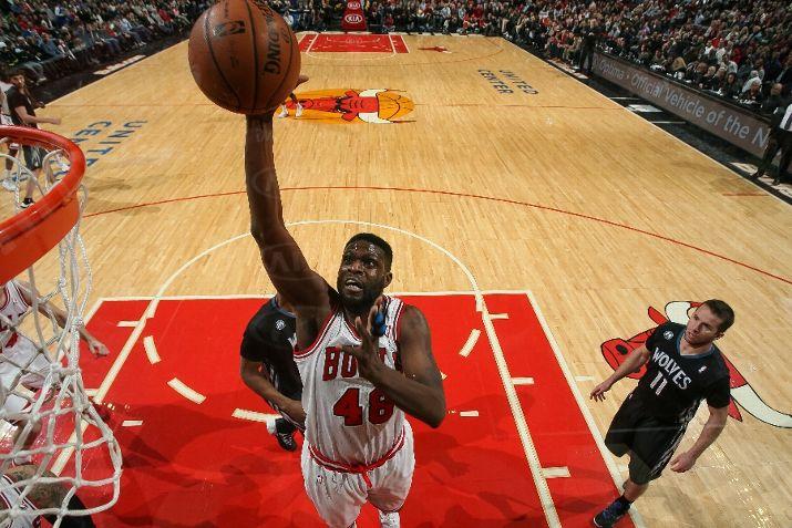 Nazr Mohammed #48 of the Chicago Bulls