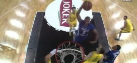Le superbe service de Boris Diaw pour le dunk de Nicolas Batum