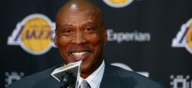 Byron Scott veut préserver Kobe Bryant au maximum