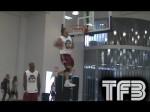 Vidéo: les derniers dunks de l'impressionnant Brandon Matano (1m78)