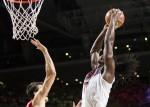 Kenneth Faried dunk