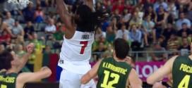 Kenneth Faried enchaîne reverse et dunk tout en puissance