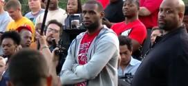 Vidéo : LeBron James inaugure un playground à Akron