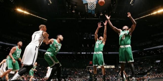 Les Celtics remportent le premier match joué en 44 minutes