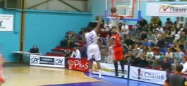 Top 10 CourtCuts: le alley-oop dans le trafic de Javier Carter