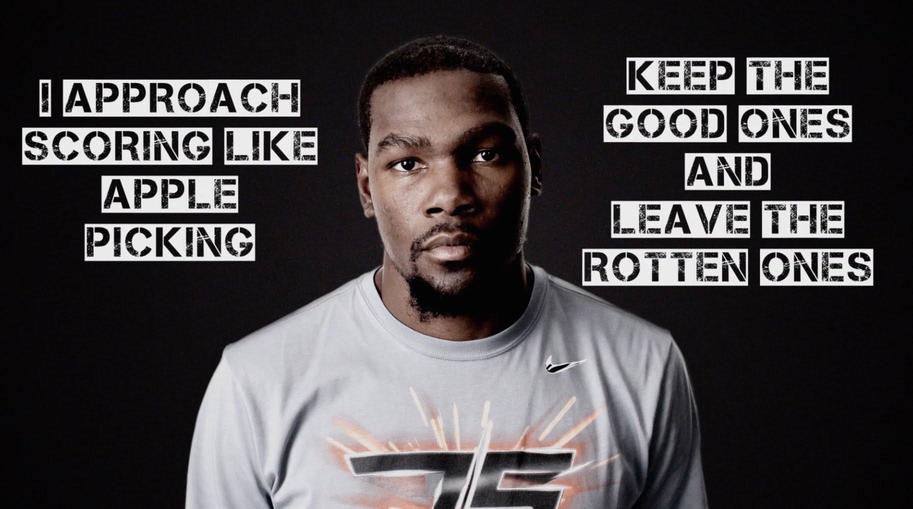 Pub Nike : Kevin Durant sélectionne ses shoots comme des pommes