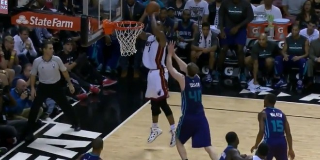 Le game winner de Chris Bosh contre Charlotte