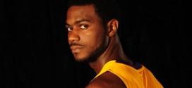 Les Nets signent Earl Clark