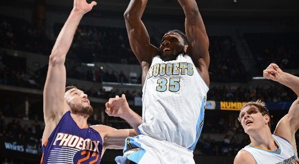 Top 10 : le poster de Kenneth Faried sur Miles Plumlee