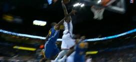 Reggie Jackson enrhume la défense des Warriors et décolle à une main