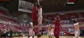 NCAA: l'énorme dunk de Deshawn Delaney
