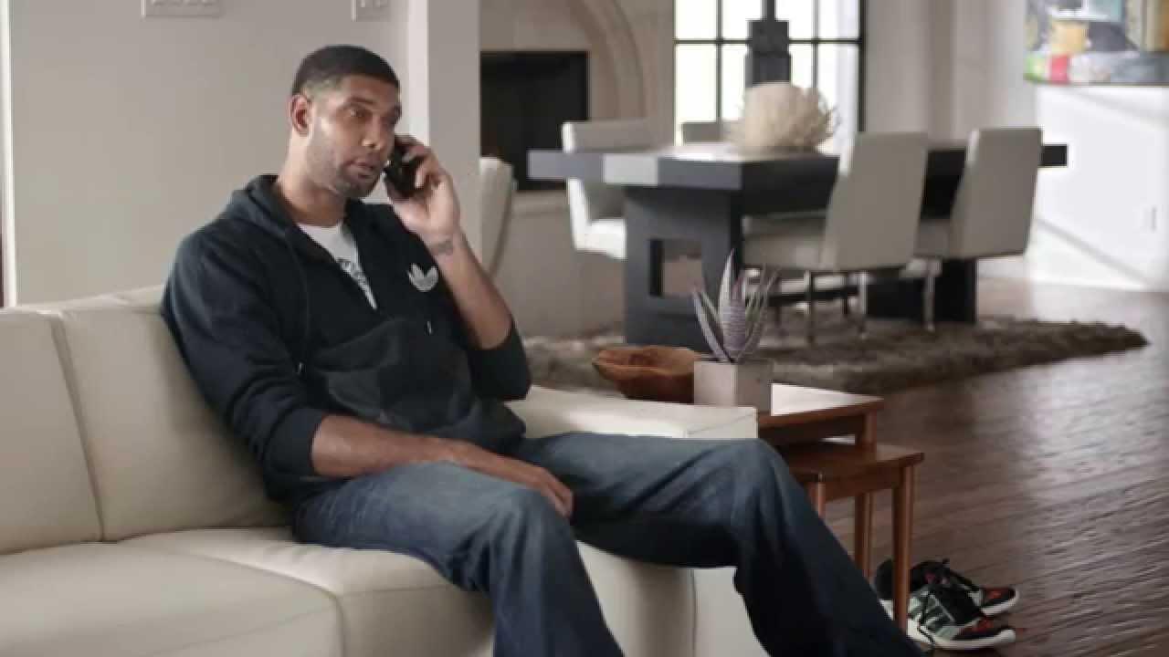 Tim Duncan et Derrick Rose dans la dernière publicité Foot Locker