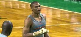 Vidéo : Russell Westbrook travaille sa main gauche à l'échauffement
