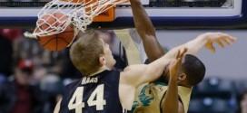 NCAA: Demetrius Jackson (1m85) postérize violemment Isaac Haas (2m18)