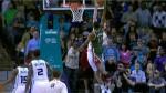 L'énorme contre de Cody Zeller sur la tentative de dunk de Brandon Knight