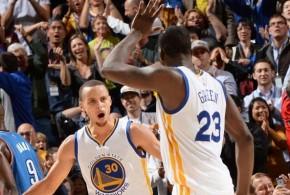 Le Thunder perd Kevin Durant et laisse les Warriors de Stephen Curry s'imposer