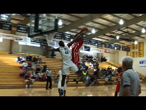 High School: le poster deux mains de Derrick Jones