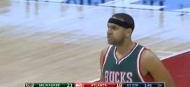La circulation du ballon d'école des Bucks pour mettre en position Jared Dudley