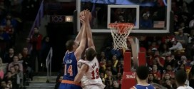 Action oubliée: Joakim Noah contre la tentative de dunk de Jason Smith