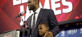 LeBron James sur son fils: il a une chance d'être bon