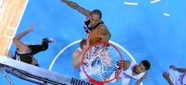 Kawhi Leonard enchaîne deux contres et un dunk en contre-attaque