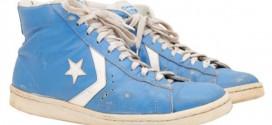 Une paire de Converse portée par Michael Jordan à l'université vendue plus de 33 000$