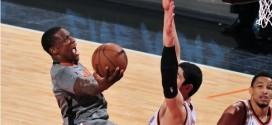 Eric Bledsoe et les Suns arrachent un succès important face au Thunder de Russell Westbrook