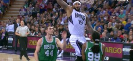 DeMarcus Cousins conclut son coast to coast par un gros dunk face à Jae Crowder