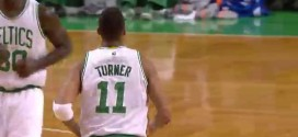 Les highlights du premier triple-double en carrière d'Evan Turner