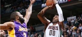 O.J. Mayo envoie les Bucks en prolongation à 3-points !
