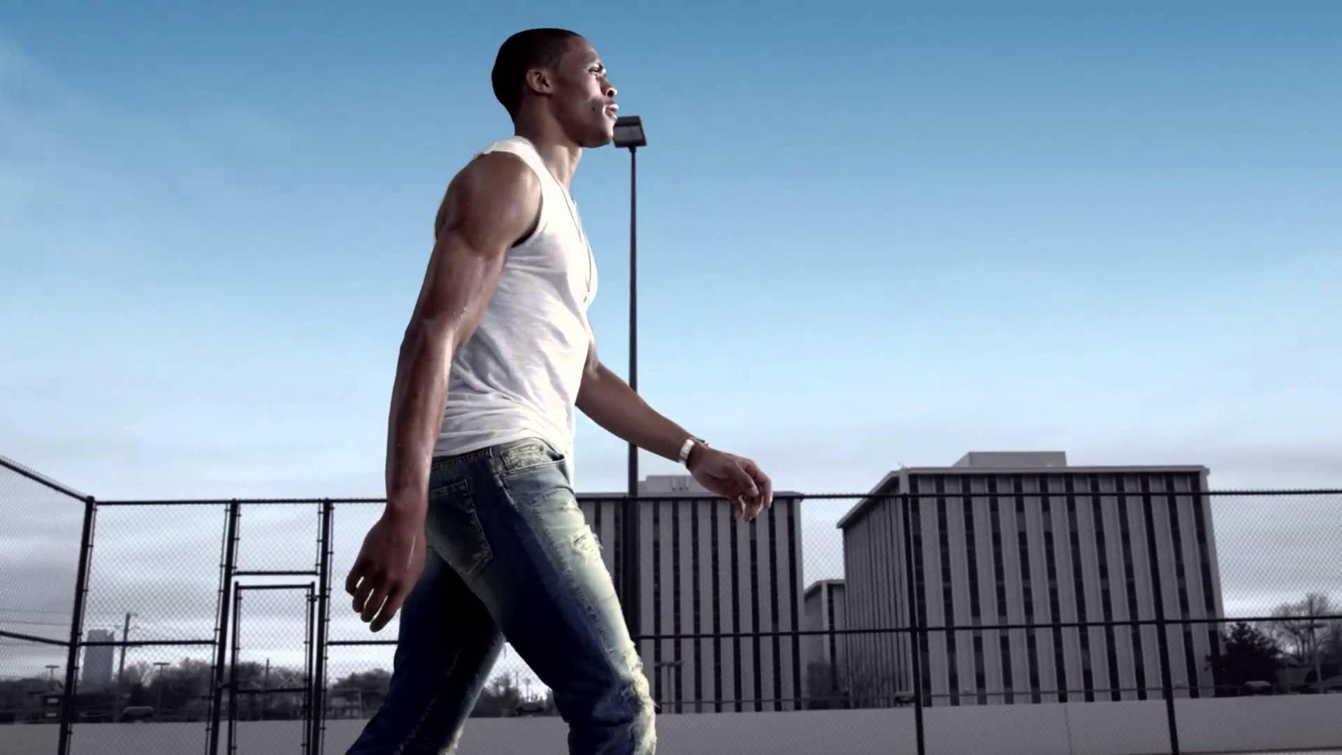 Russell Westbrook star de la dernière publicité pourTru Religion