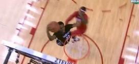 Andrew Wiggins contre James Harden et enchaîne avec le dunk and one
