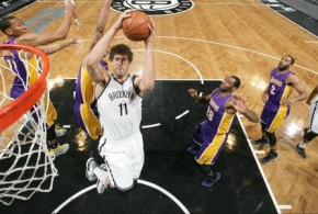 Brook Lopez permet aux Nets d'assurer l'essentiel