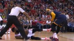 James Harden et LeBron james coup de pied