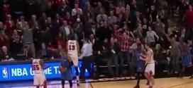 Quand un fan des Bulls donne la fessée à Joakim Noah