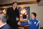 Lionel Messi et Gheorghe Muresan
