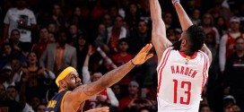 Les highlights de LeBron James (37 pts) et James Harden (33 pts) dans la victoire de Houston
