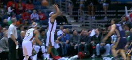 Fail : Jared Dudley perd le ballon tout seul en plein shoot