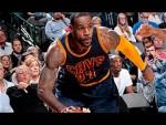 Les highlights de LeBron James face aux Mavs: 27 points et 8 passes