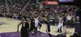 Vidéo : Robin Lopez balance Reggie Evans par terre et écope d'une flagrante
