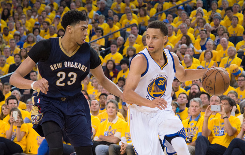 Anthony Davis et Stephen Curry