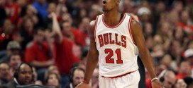 Highlights : les 25 pts et 6 pds de Jimmy Butler contre Milwaukee (G1)