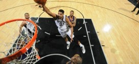 Les highlights de Tim Duncan: 22 points et 10 rebonds en 26 minutes