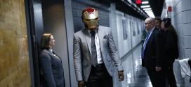 Insolite! Qui est arrivé à la salle avec le casque d'Iron Man ?