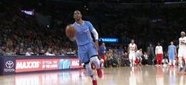 Chris Paul envoie Blake Griffin au dunk à l'aide de la planche